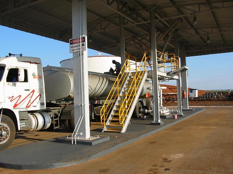 Plataforma de carregamento de etanol